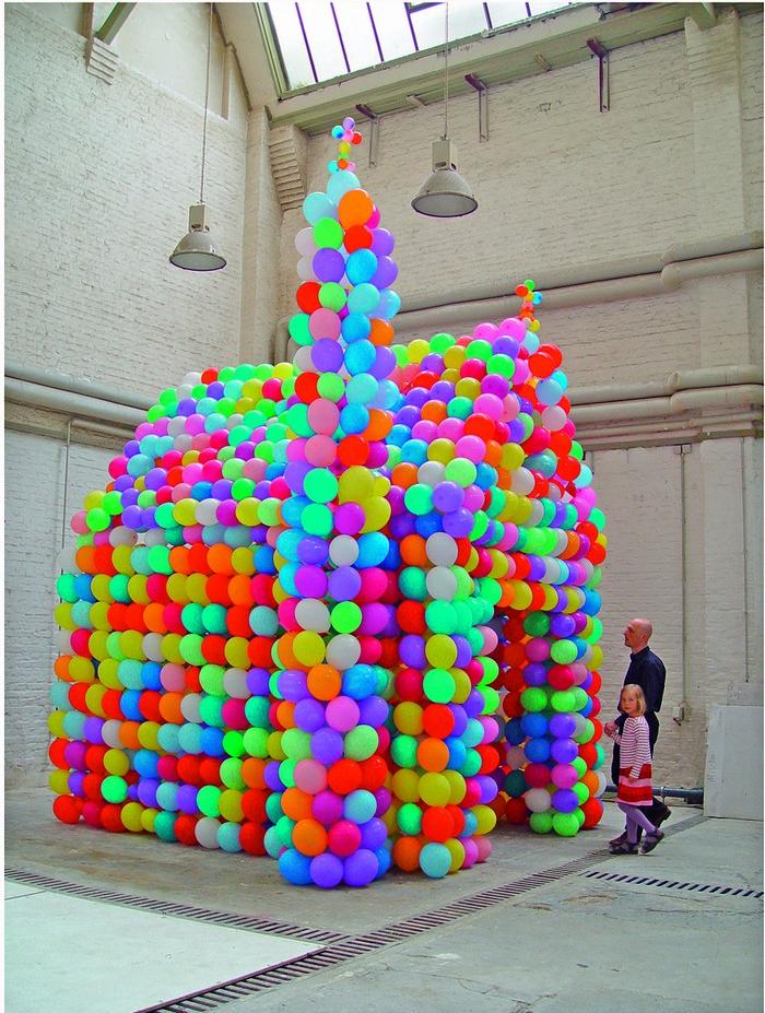 hans-hemmert-baloon-sculpture-fine-art-i-lobo-you11 balloon sculpture Hans Hemmert balloon sculptures Hans Hemmert baloon sculpture fine art I Lobo you11
