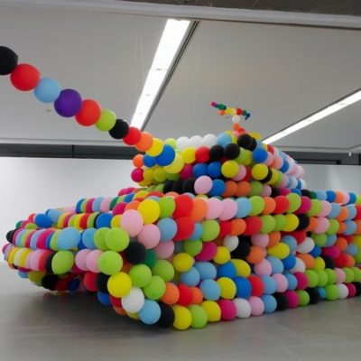 Hans Hemmert is a German artist in love with balloons, probably. His balloon sculptures are based on colorful or yellow balloons, that's his true passion.
