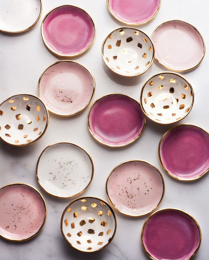 Suite one Studio is lead by Lindsay Emery, the owner, designer and ceramicist behind the brand. The studio is focused on Contemporary tableware. contemporary tableware Contemporary Tableware By Suite One Studio Contemporary tableware by Suite one Studio arts and crafts I Lobo you