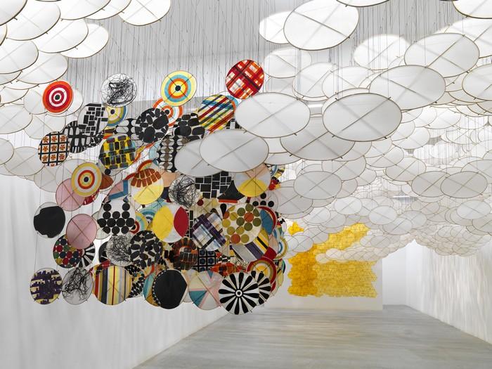 art installation Art installation by Jacob Hashimoto Art installation by Jacob Hashimoto arts and crafts I lobo you4 1
