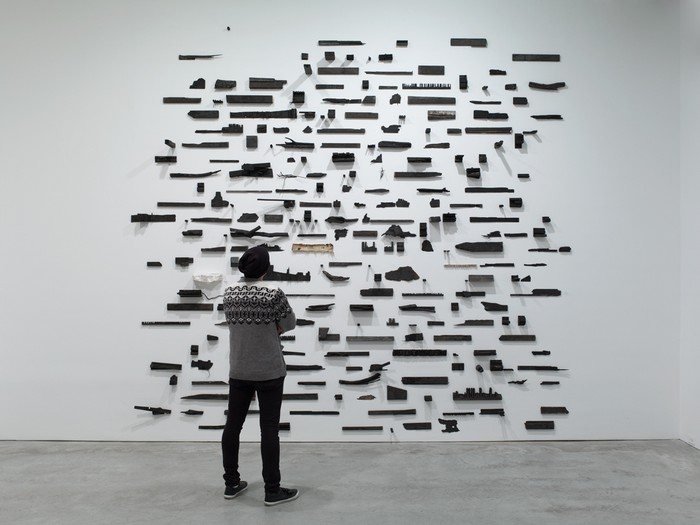 Leonardo Drew is known for his dynamic large-scale sculptural installations, mostly wall artworks. Wall artworks Leonardo Drew Wall artworks Leonardo Drew Wall artworks     artists I Lobo you4