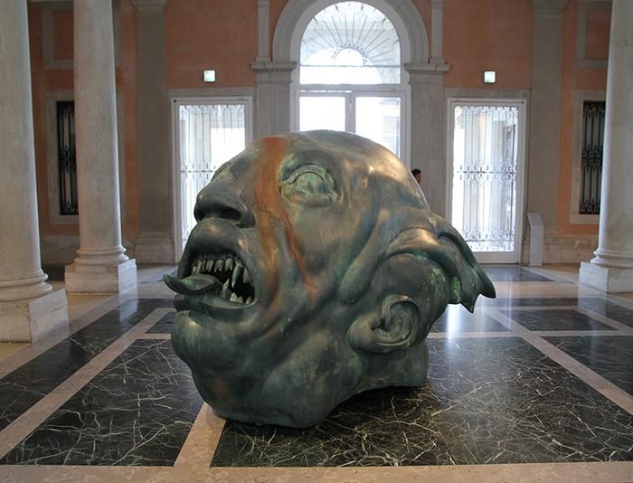 Damien Hirst Damien Hirst giant sculpture in Venice Damien Hirst giant sculpture in Venice fine art I Lobo you9
