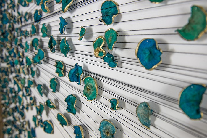 Tatjana Este is a multidisciplinary artist working mainly in installation, performance, and drawing. We got amazed by her wall art installation in tones of blue. Wall art installation Wall art installation by Tatjana Este Wall art installation by Tatjana Este artists I Lobo you5