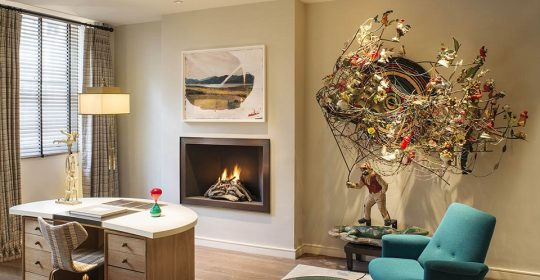 April Russell is a leading interior design company. In her works, you can get art interior ideas full of remarkable artworks and contemporary sculptures.