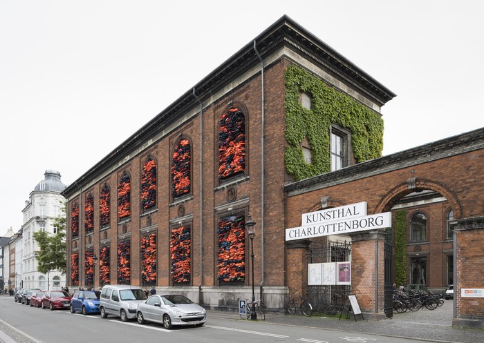 Ai Weiwei Has Packed 3,500 Refugee Life Jackets Into the Walls of the Danish Museum Charlottenborg, an art installation to aware for the refugee crisis. Ai Weiwei Ai Weiwei creates refugee crisis art installation Ai Weiwei creates refugee crisis art installation arts and crafts I Lobo you3