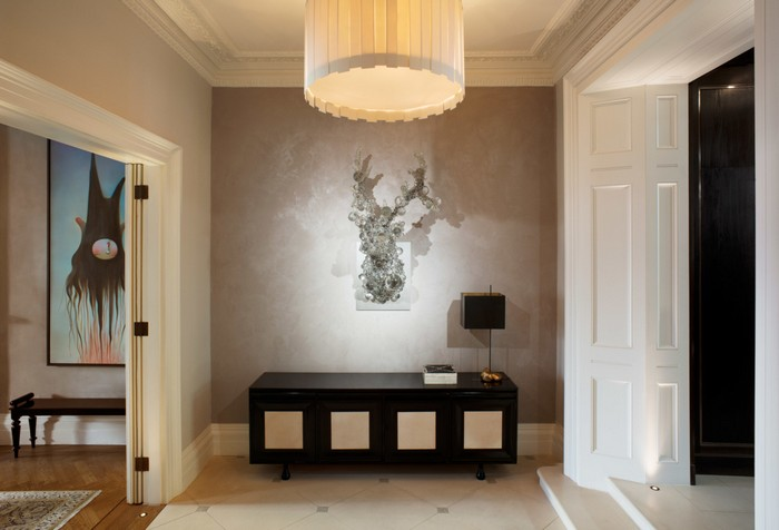 April Russell is a leading interior design company. In her works, you can get art interiors ideas full of remarkable artworks and contemporary sculptures. Art interiors Art interiors ideas by April Russell Art interiors ideas by April Russell furniture I Lobo You10