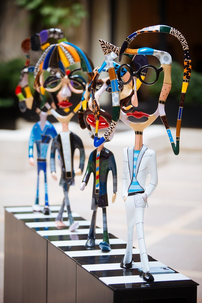 Dorit Levinstein's work invites you to step into her universe of forms, figures, and colors. Among a great diversity of works, The Beatles caught our attention. The Beatles Dorit Levinstein: The Beatles Dorit Levinstein The Beatles arts and crafts I Lobo you