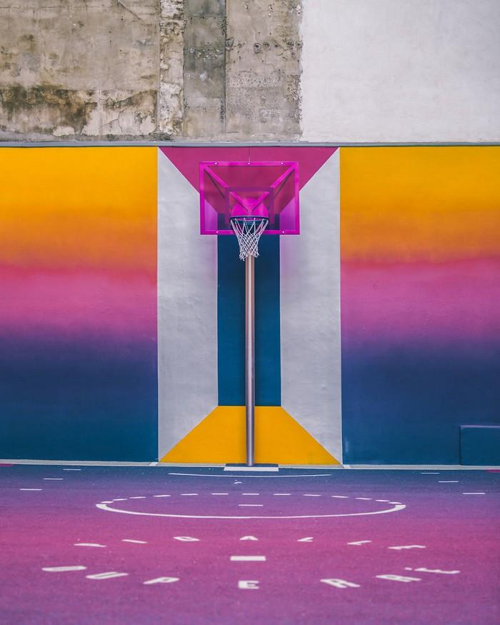 Basketball Court New colorful Basketball Court in Paris New colorful Basketball Court in Paris artists I Lobo you8