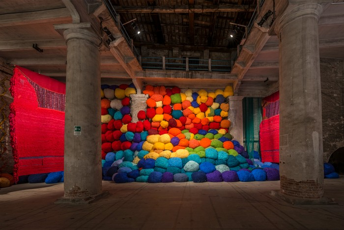 venice biennale Venice Biennale 2017: colorful installation by Sheila Hicks Venice Biennale 2017 colorful installation by Sheila Hicks artists I Lobo you10