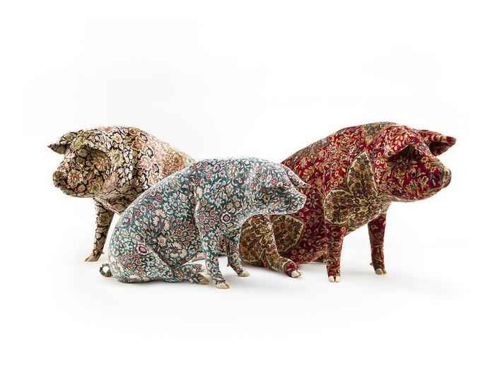 Wim Delvoye Artistic Pig Tattoos by Wim Delvoye Artistic Pig Taxidermy by Wim Delvoye artists I Lobo you4