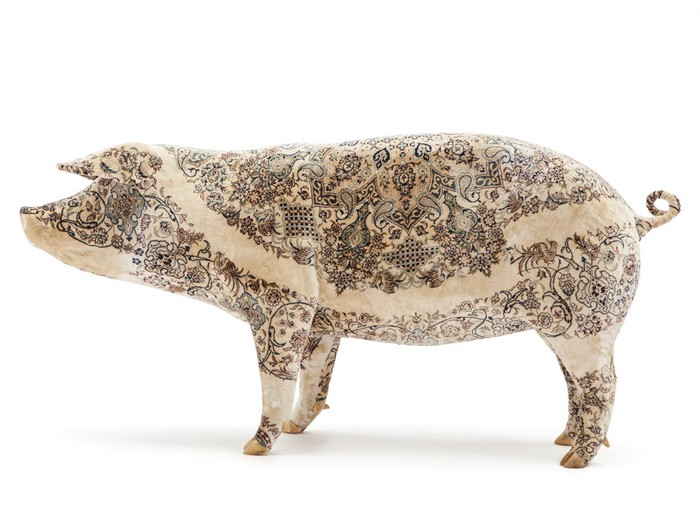 Wim Delvoye Artistic Pig Tattoos by Wim Delvoye Artistic Pig Taxidermy by Wim Delvoye artists I Lobo you6