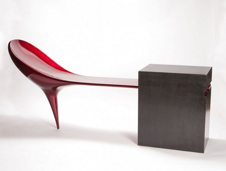 Vivian Beeris a furniture designer based in New England, where her studio,Vivian Beer Studio Works. She is specialized in creating different seating designs with unusual shapes.