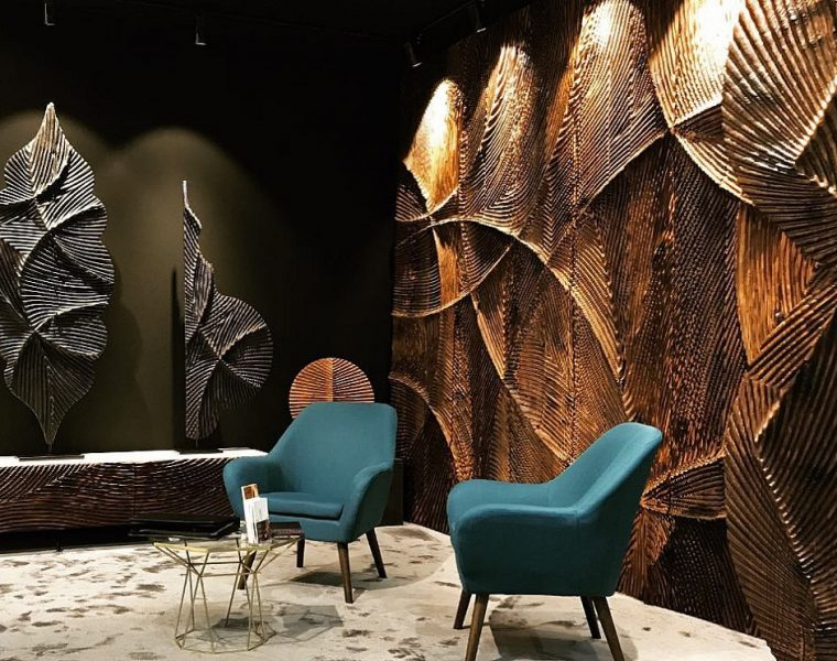 Etienne Moyat is a French space planner, interior architect, cabinetmaker dedicated to the work with wood. The wall art pieces created by him are also a woodwork.