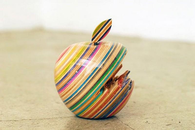 sculptures Haroshi Creates Sculptures Out Of Skateboard Deck haroshi i lobo you 5