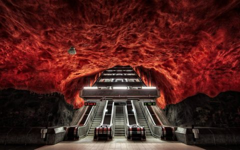 art gallery Stockholm Metro: The World's Longest Art Gallery cover 4 480x300