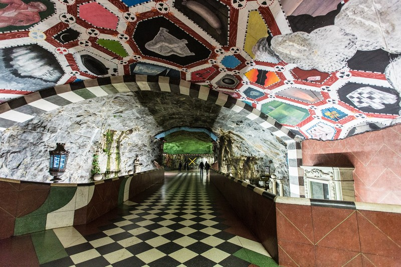 art gallery Stockholm Metro: The World's Longest Art Gallery stockholm metro i lobo you 3