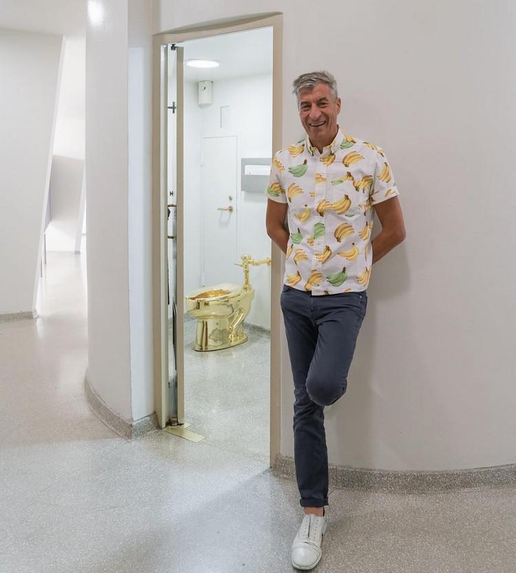 Maurizio Cattelan Maurizio Cattelan's Gold Toilet: The Gift That Trump Refused golt toilet i lobo you2