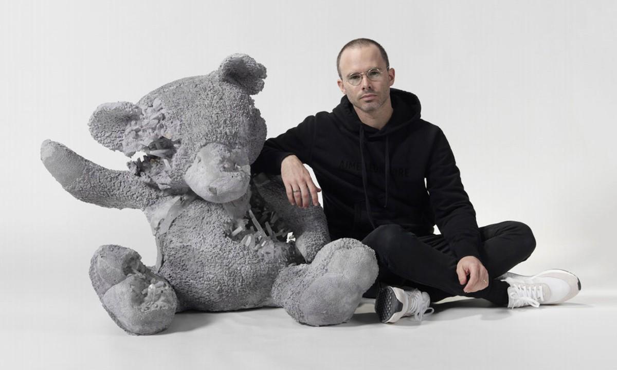 Discover Daniel Arsham's Contemporary Art daniel arsham Discover Daniel Arsham's Contemporary Art modern art i lobo you 6 1