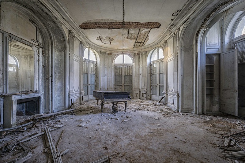 Romain Thiery Captures Broken Pianos As Art Photography Art Photography Romain Thiery Captures Broken Pianos As Art Photography photography i lobo you 3