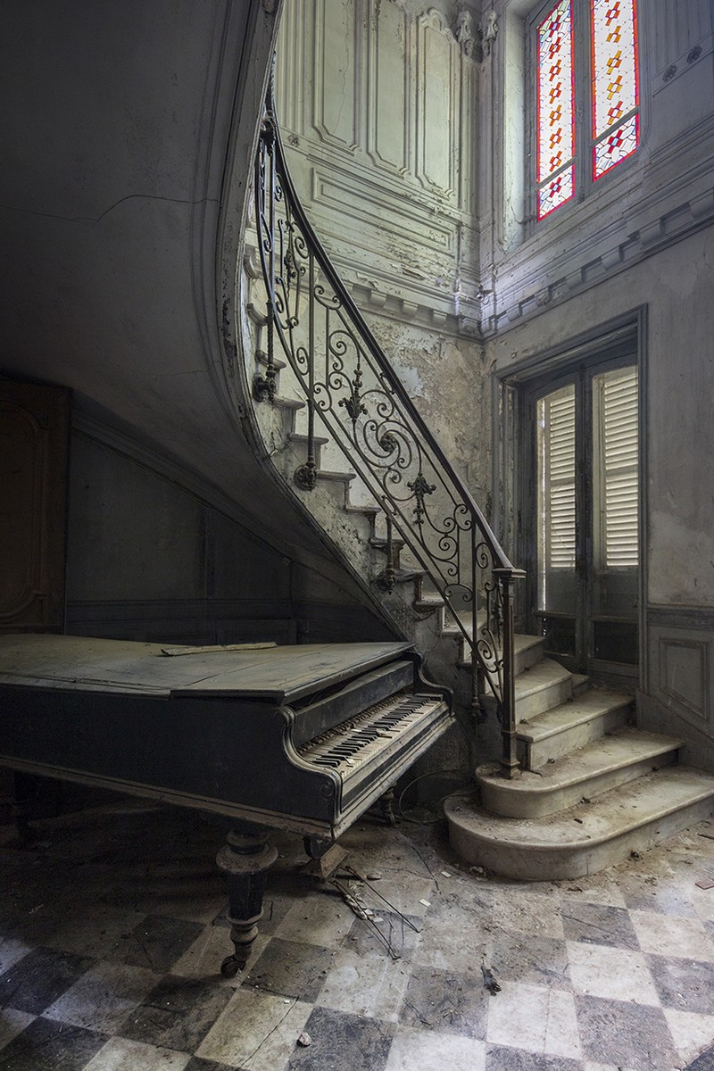 Romain Thiery Captures Broken Pianos As Art Photography Art Photography Romain Thiery Captures Broken Pianos As Art Photography photography i lobo you 6