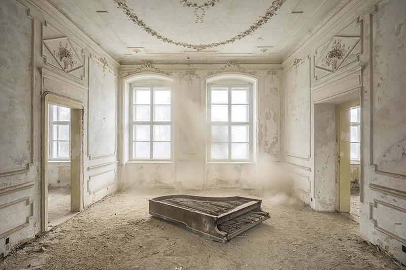 Romain Thiery Captures Broken Pianos As Art Photography Art Photography Romain Thiery Captures Broken Pianos As Art Photography photography i lobo you 9