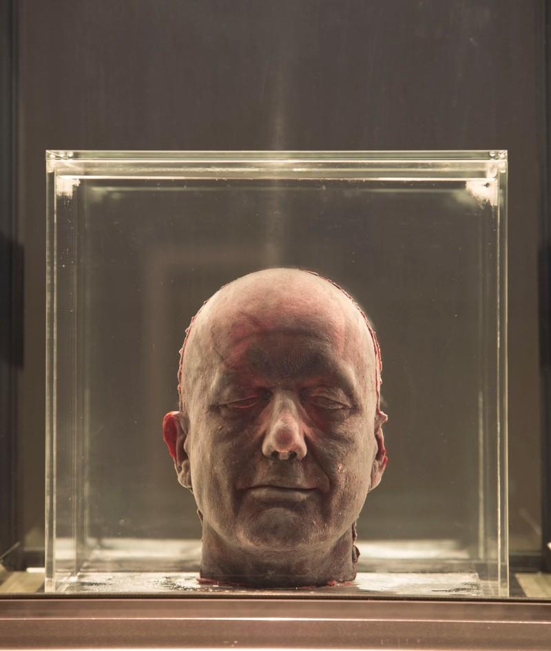marc quinn Modern Art: A Bloody Self-portrait By Marc Quinn 21018