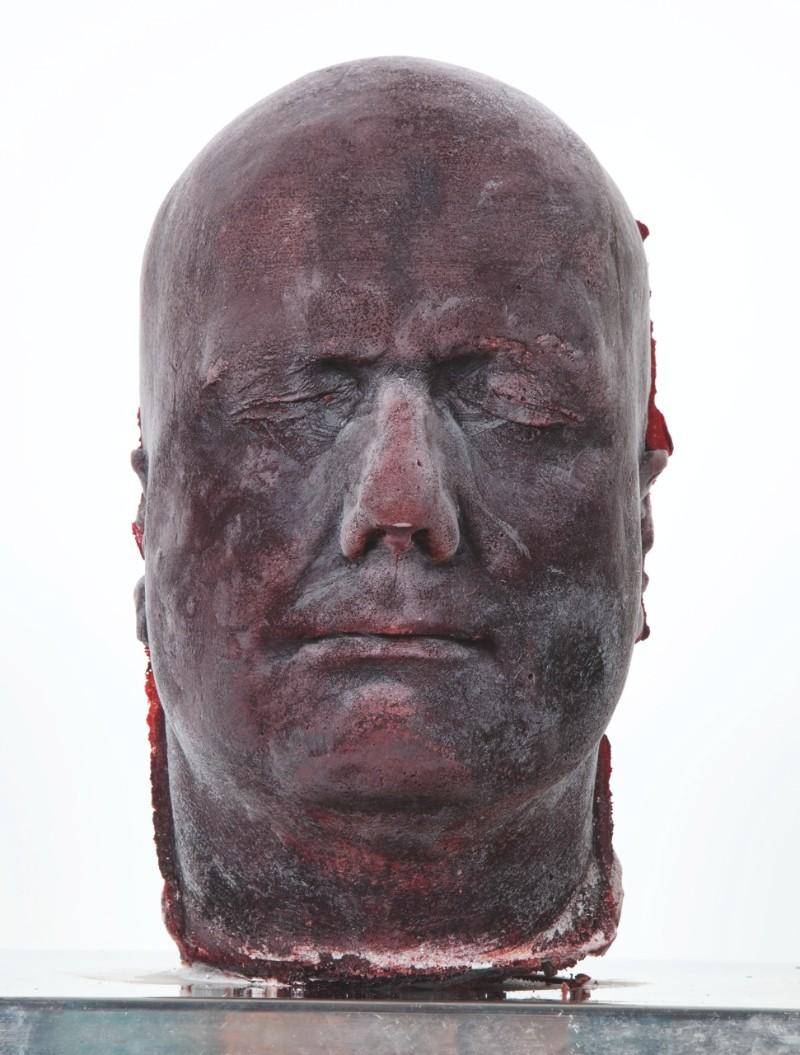 marc quinn Modern Art: A Bloody Self-portrait By Marc Quinn 9900