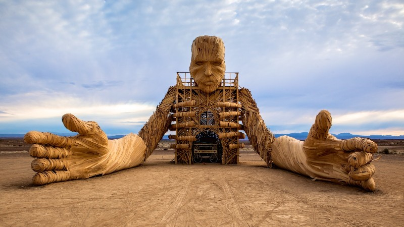 wood sculpture Wood Sculptures By Daniel Popper Welcomes People To The Beach HERO AFRICABURN Simon OCallaghan