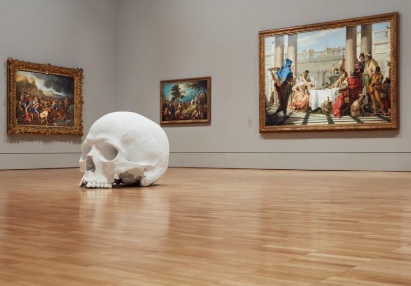 skull sculpture Skull Sculptures In A Room in Melbourne Sculptures of Skulls In A Room in Melbourne 5