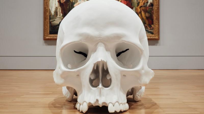 skull sculpture Skull Sculptures In A Room in Melbourne Sculptures of Skulls In A Room in Melbourne 9