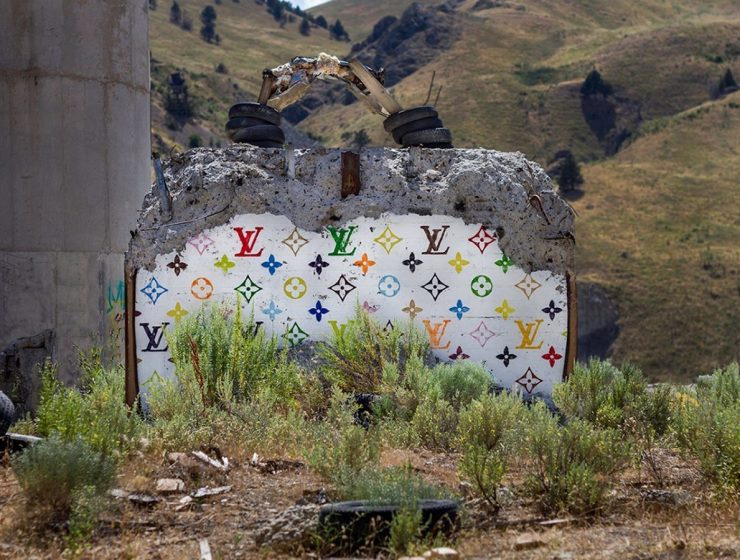 Artist Thrashbird transformed the crumbling concrete monoliths of an abandoned power plant in Lime, Oregon, into a visually arresting place for street art.