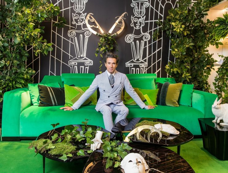 Famous for his Baroque creations, full of fantasy, and surrealism, Vincent Darré is a trendy designer with some of the best interior design projects we have ever seen.