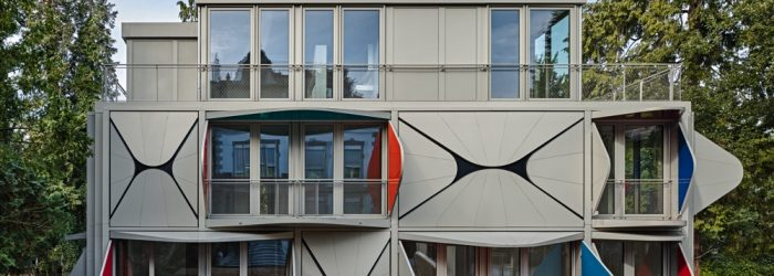 Manuel Herz has designed a house in an unexpected modern architecture approach where the windows and balconies canmove.