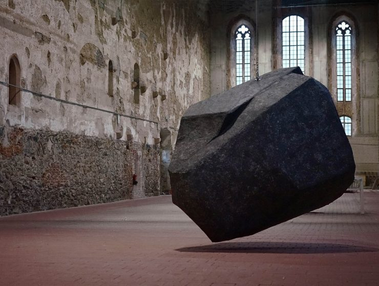 Danish-German artist duo Anna Borgman and Candy Lenk created a series of art installation exploring the relationship between sculpture and place.
