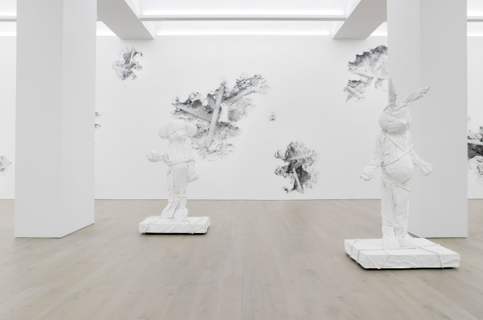 Daniel Arsham will be exhibiting at Perrotin New York until 21 October, an exhibition named 3018. Daniel Arsham Daniel Arsham exhibiting at Perrotin New York Daniel Arsham exhibiting at Perrotin New York I Lobo you 5
