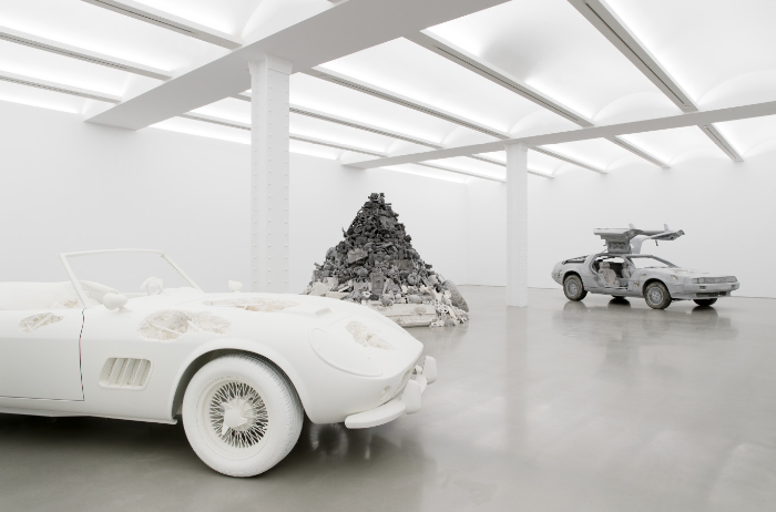 Daniel Arsham will be exhibiting at Perrotin New York until 21 October, an exhibition named 3018. Daniel Arsham Daniel Arsham exhibiting at Perrotin New York Daniel Arsham exhibiting at Perrotin New York I Lobo you 6