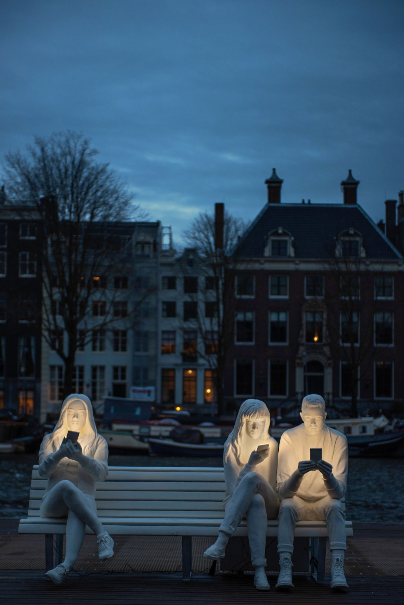 'Absorbed by Light' – Sculpture Art with A Millennial Message sculpture art 'Absorbed by Light' – Sculpture Art with A Millennial Message    Absorbed by Light        Sculpture with A Millennial Message 4