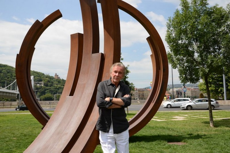 Meet One of The Greatest French Living Artists – Bernar Venet Bernar Venet Meet One of The Greatest French Living Artists – Bernar Venet Meet One of The Greatest French Living Artists4
