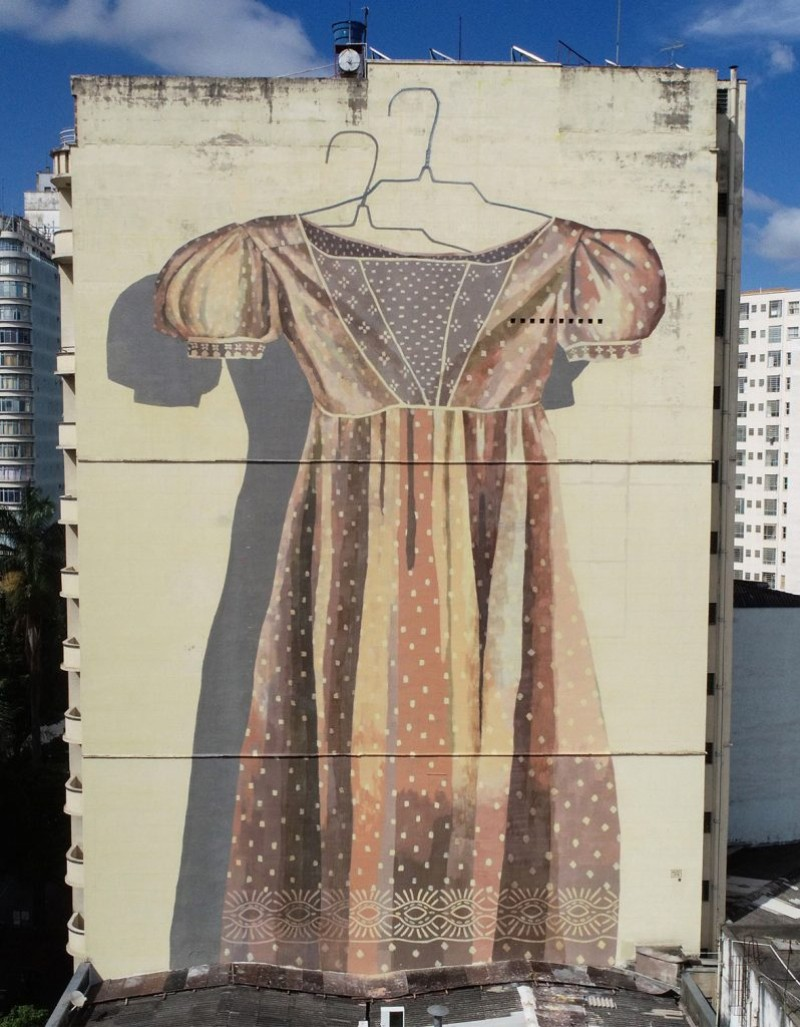 World's Giant Wall Murals Get Dressed Up by Street Artist Hyuro wall murals World's Giant Wall Murals Get Dressed Up by Street Artist Hyuro World   s Giant Murals Get Dressed Up by Street Artist Hyuro 3
