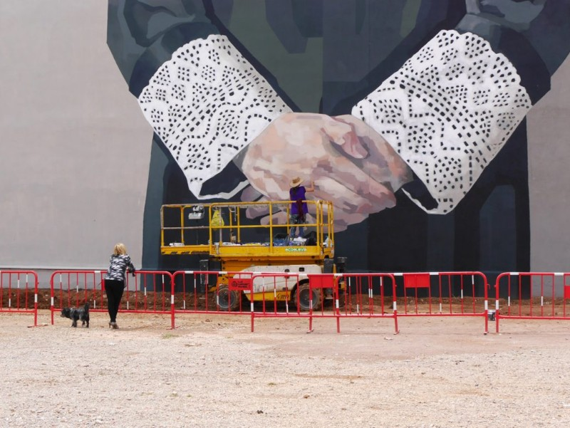 World's Giant Murals Get Dressed Up by Street Artist Hyuro wall murals World's Giant Wall Murals Get Dressed Up by Street Artist Hyuro World   s Giant Murals Get Dressed Up by Street Artist Hyuro 5