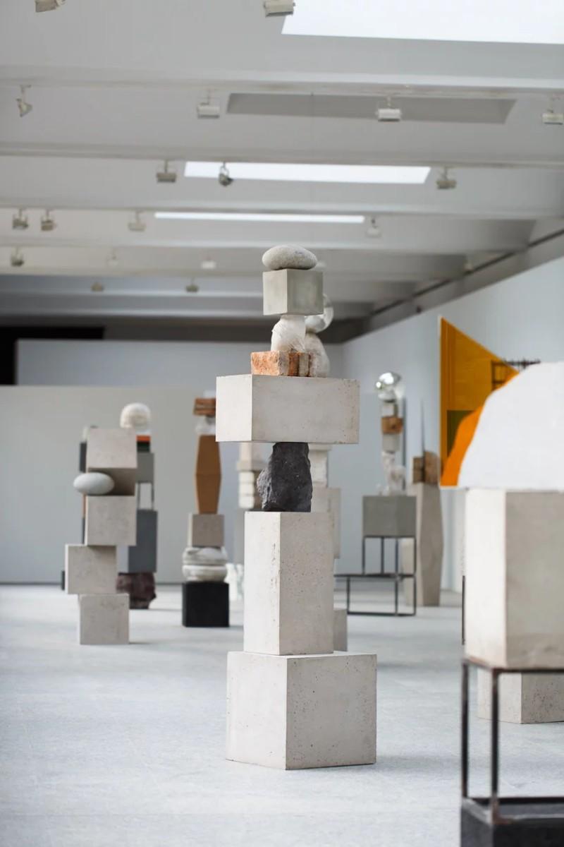 Jose Davila's New Exhibition Traces The History of Sculpture Art Jose Davila Jose Davila's New Exhibition Traces The History of Sculpture Art Davila   s New Exhibition Traces The History of Sculpture Art 7