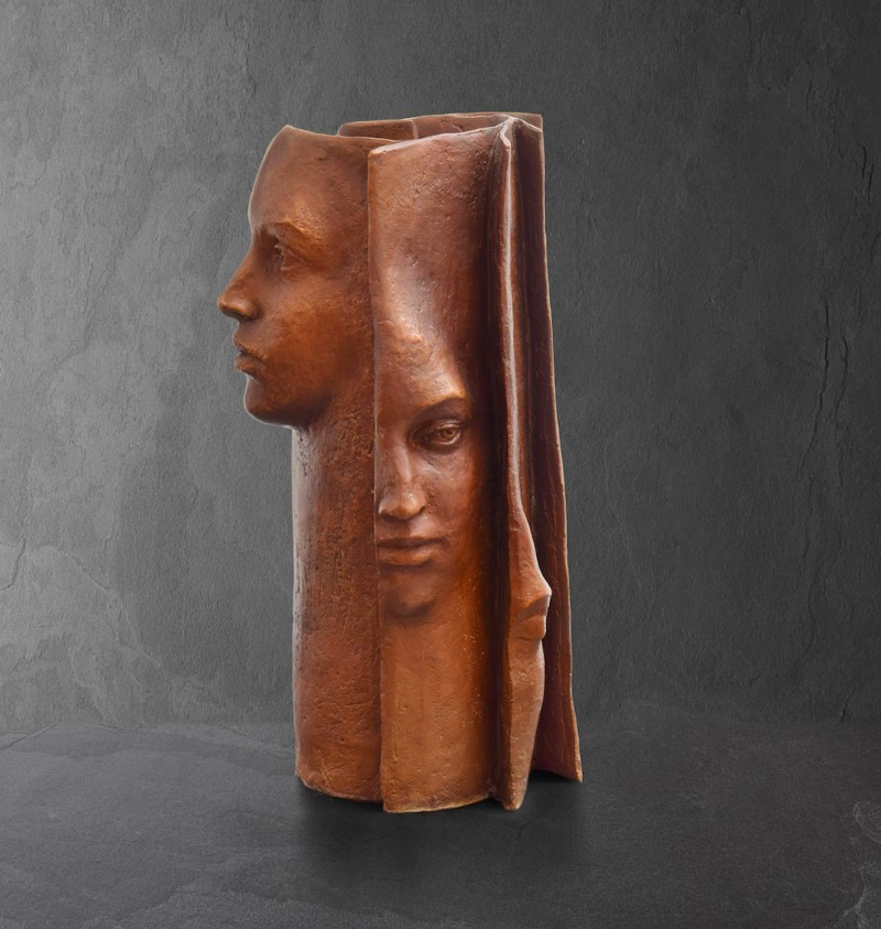 Stunning Bronze Sculptures by Paola Grizi Book Sculptures Stunning Bronze Book Sculptures by Paola Grizi Stunning Bronze Sculptures by Paola Grizi 7