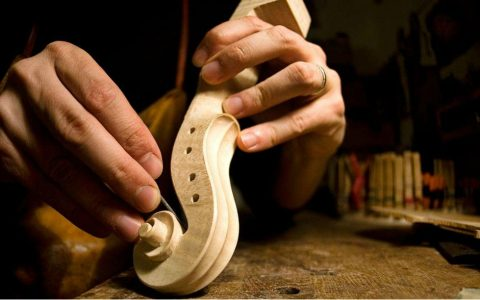 craftsmanship The Wonders of The Italian Craftsmanship: Behind The Scenes The Wonders of The Italian Arts and Crafts Behind The Scenes 1 480x300