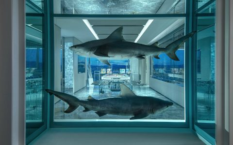 damien hirst Damien Hirst's Dramatic Touch on A Last Vegas' Hotel Suite feature 2 1 480x300