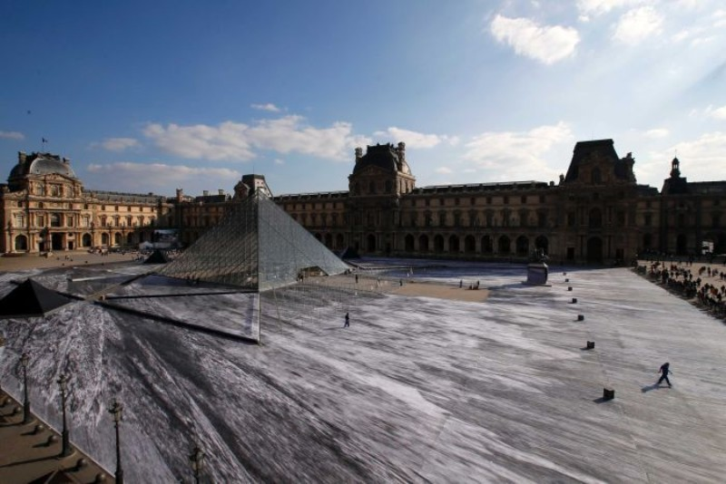 Louvre's Paper Art Installation Torned To Shreds By Visitors louvre Louvre's Paper Art Installation: A Mesmerizing Optical Illusion Effect Paper Art Installation Torned To Shreds By Visitors 2
