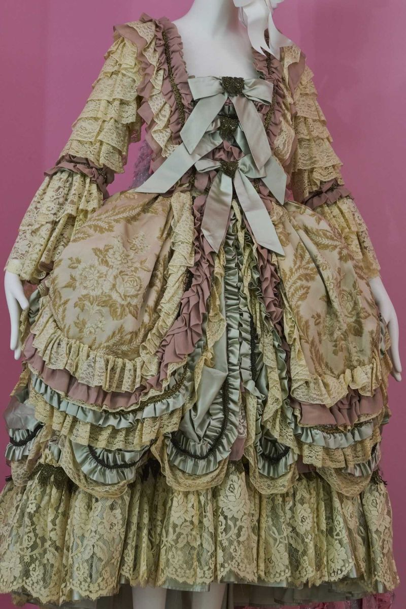 Camp: Notes On Fashion - Met Museum's Spring 2019 Exhibtion met museum Camp: Notes On Fashion – Met Museum's Spring 2019 Exhibtion Vogue Met Gala 2019 080 1
