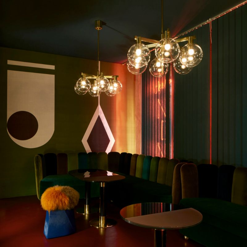 India Mahdavi's Rainbow-Bright Hued Restaurant Designs india mahdavi India Mahdavi's Rainbow-Bright Hued Restaurant Designs Mahdavis Most Flamboyant and Artsy Restaurant Design 3