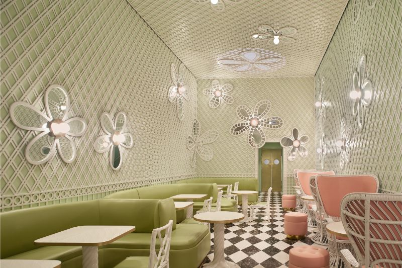 India Mahdavi's Rainbow-Bright Hued Restaurant Designs india mahdavi India Mahdavi's Rainbow-Bright Hued Restaurant Designs Mahdavis Most Flamboyant and Artsy Restaurant Design 5