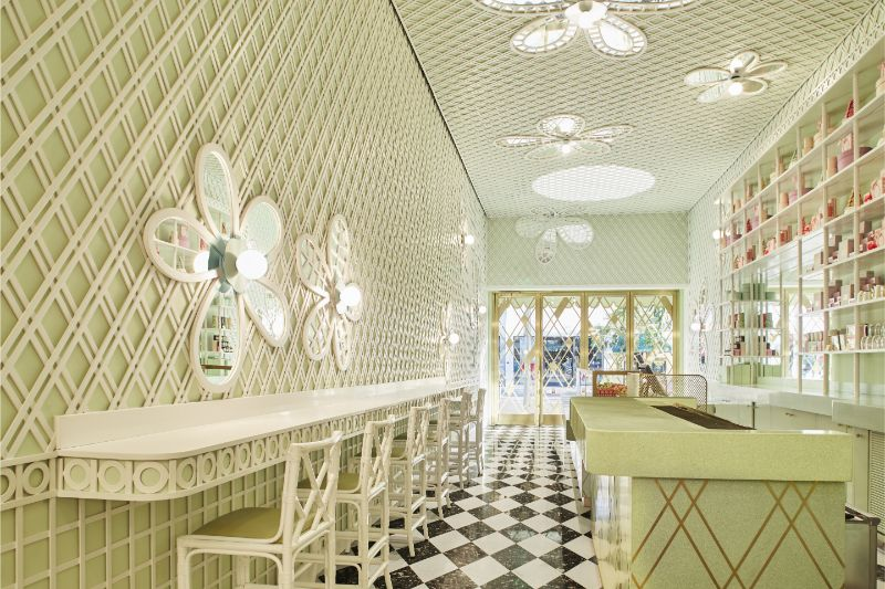 India Mahdavi's Rainbow-Bright Hued Restaurant Designs india mahdavi India Mahdavi's Colourful And Contemporary Restaurant Designs Mahdavis Most Flamboyant and Artsy Restaurant Design 6