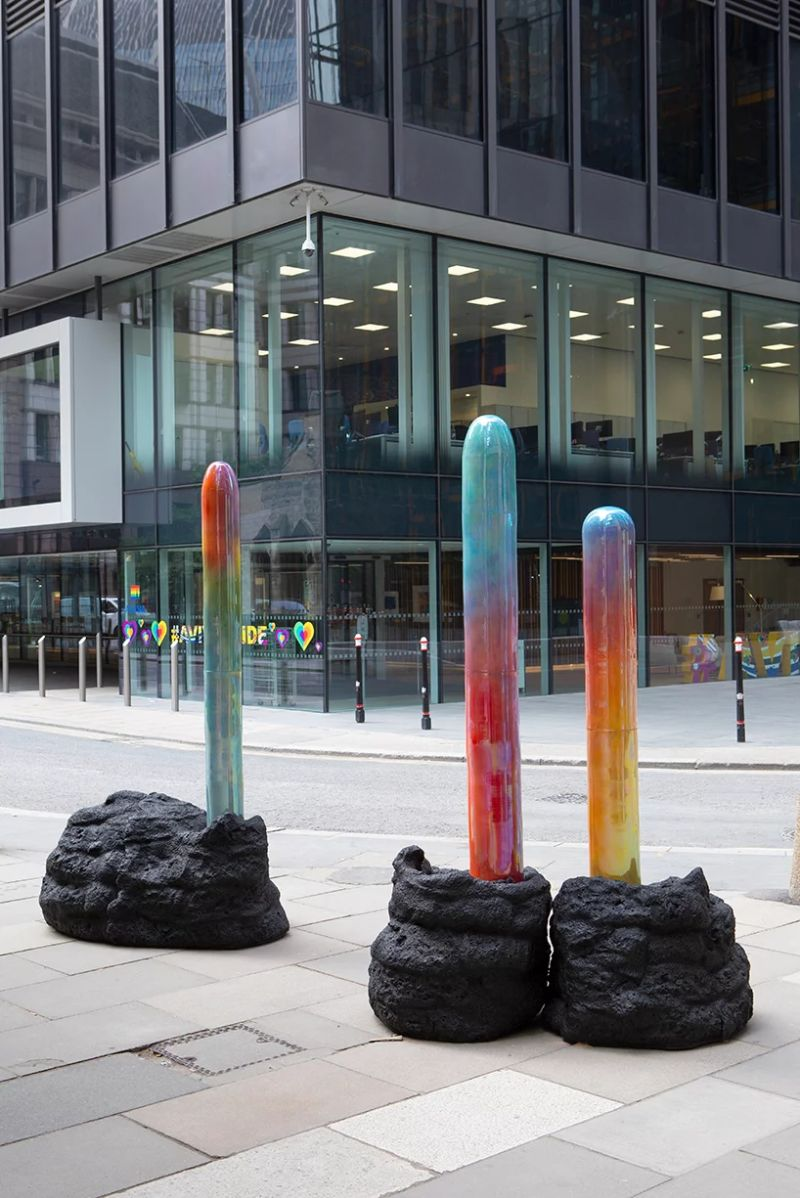 19 Contemporary Sculptures Emerge in The Middle of London's Streets contemporary sculptures 19 Contemporary Sculptures Emerge in The Middle of London's Streets 19 Sculptures Emerge in The Middle of Londons Streets 5